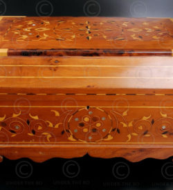 Marquetry chest 12VN21. French manufacturing.