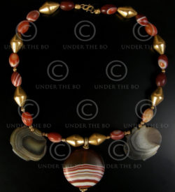 Necklace with banded agathes and gold 561