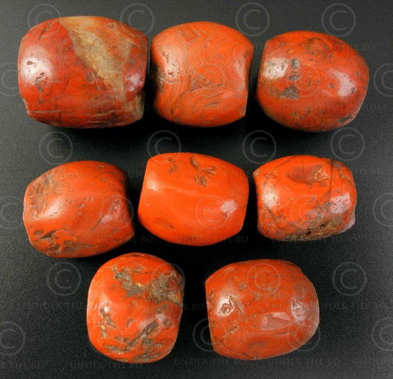 Ancient pema raka beads BD154. Tibet.