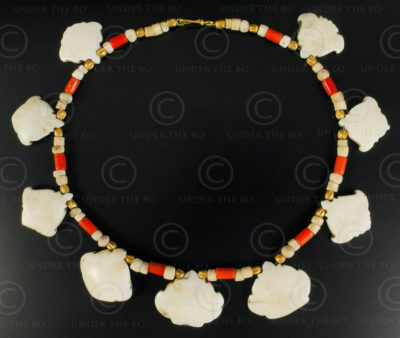Antique shell necklace 602. Designed by François Villaret.