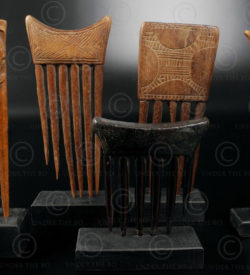 African combs 12UZ1C. Baule and Ashanti cultures, Ivory Coast, West Africa.