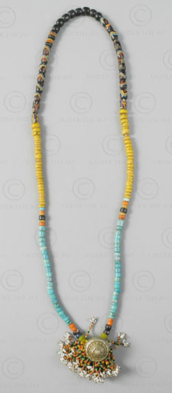 Borneo glass beads necklace 618A. Embaloh river village, West Kalimanatn, Borneo