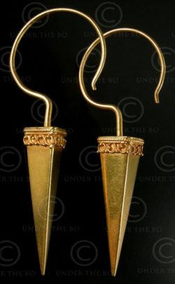 Boucles oreilles or indiennes E196. Inde du nord.