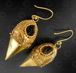 Boucles oreilles or indiennes E214. Région de Thrissur (autrefois Trichur), état