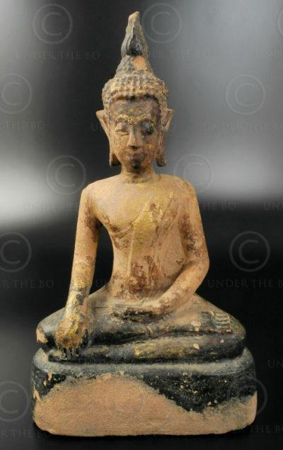 Bouddha Phayao pierre T328. Style du Lanna, province de Phayao, Thaïlande du nor