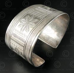 Bracelet tribu Akha argent ciselé B190B. Tribu Akha ou Lisu du nord de la Thaïla