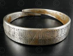 Bracelet tribu Wa argent B127. Minorité Wa, Birmanie du nord.