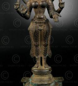 Bronze standing Parvati 16P1. Tamil Nadu, Southern India.
