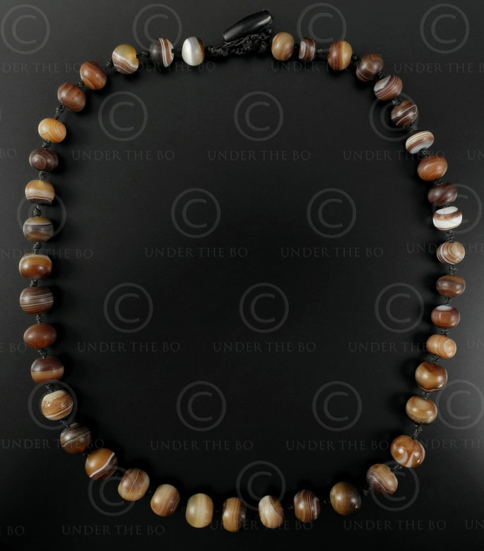 Brown banded agates BD142. From India to Iran.