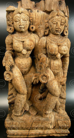 Celestial female dancers 08DD3. Two celestial nayikas carved on a single temple