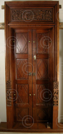 Chettinad door 08MT9. Teak wood. Chettinad, Southern India.