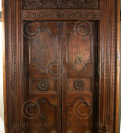 Indian door 09GV2. Chettinad, South India. 19th century.