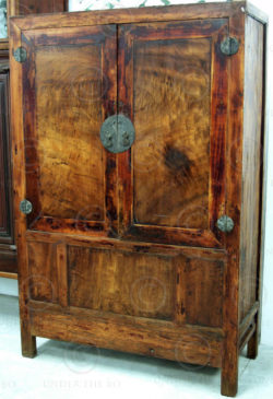 Chinese armoire CH34B Elm wood. China. 19th-early 20th cent.
