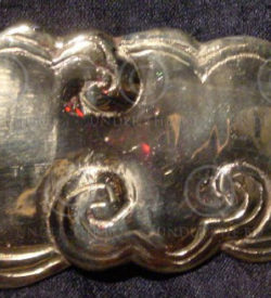 Solid brass buckle. Chinese style cloud.