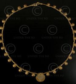 Collier avec pendentifs minitures lunes en or Orissa No.484