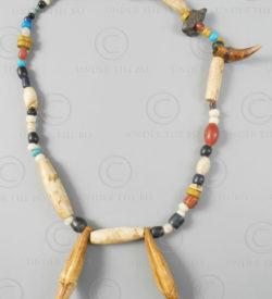 Collier de chasseur dayak 618B. Embaloh, Kalimantan de l'ouest, Bornéo, Indonési