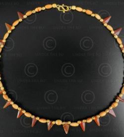Collier flèches cornaline et ivoire 626. Design François Villaret.