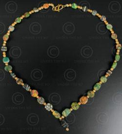 Collier pâte de verre Gabri et grains d'or 613B. Afghanistan.