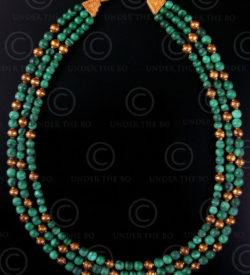 Collier avec perles en malachite et or No.431. Atelier Under the Bo