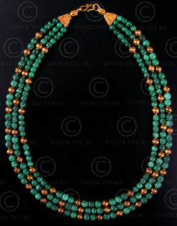 Collier avec perles en malachite et or No.431. Atelier Under the Bo