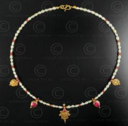 Colliers perles rubis et or 631. Design François Villaret.