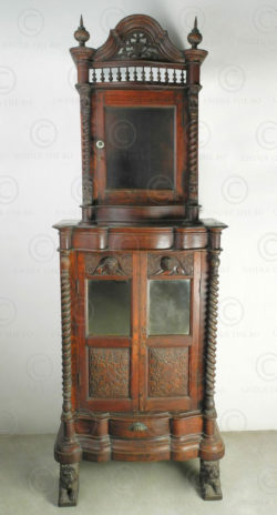 Colonial cabinet BU6. Victorian english colonial. Burma. Teakwood.