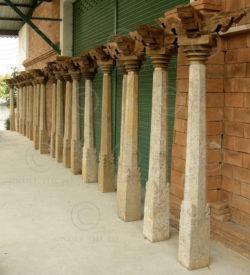 Colonnes granite 08GV4. Chettinad, Tamil Nadu, Sud de l'Inde.