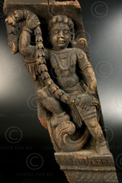 Corbeau sculpture ange 08LN7.Tamil Nadu, Inde du sud.