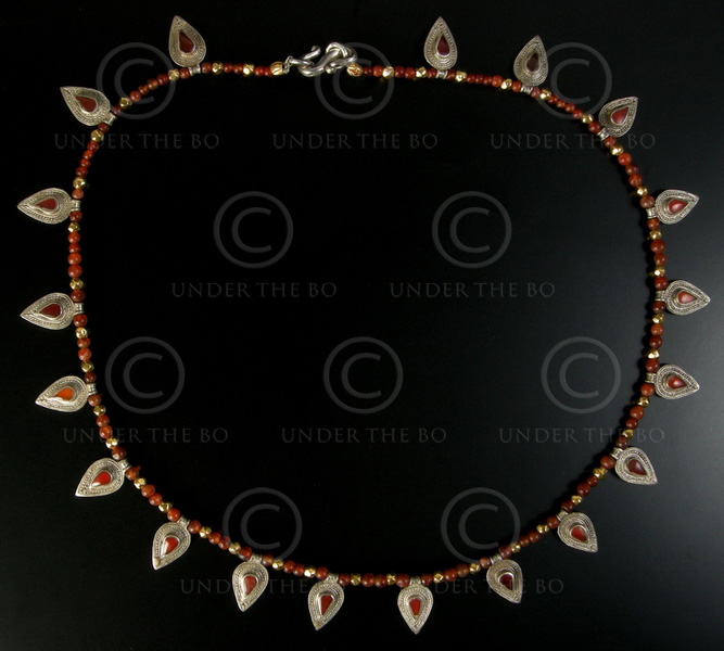 Necklace  with cornelian and siver 464