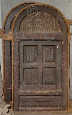 Fenêtres coloniales F28-99. Cèdre. Pakistan du nord.