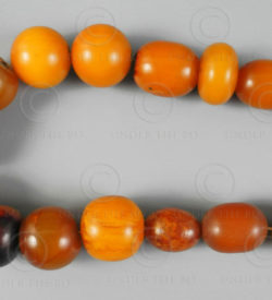Faux ambre Maghreb 12VN20B. France, origine berbère.