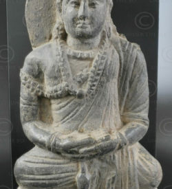 Gandhara seated schist Buddha PK185. Gandhara (Pakistan). Swat valley.