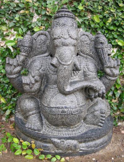 Statue Ganesh granite 09MM10. Tamil Nadu, Inde du sud.