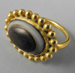 Gold and banded agate ring R236B. Afghanistan.