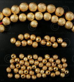 Gold beads BD120. Indian 18K gold. India.