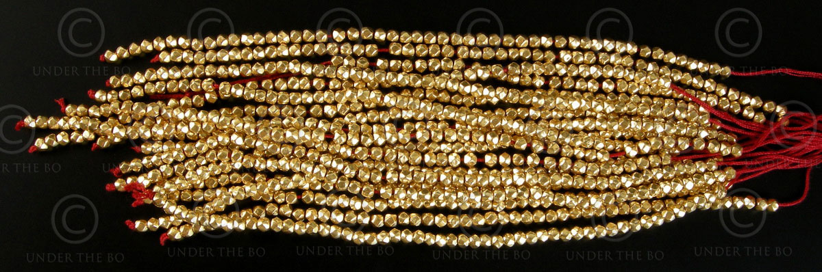 Gold beads GB7. India.