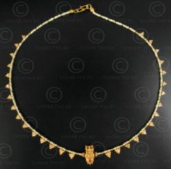 Gold grapes and ivory necklace 621. Designed by François Villaret.