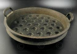 Grande poêle bronze IN505. Etat du Kerala, Inde du sud. Début 20ème siècle. Haut