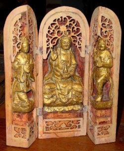 Guanyin triptych C71. Sandalwood, gold leaf. Malacca, Malaysia