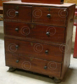 Chest of drawers H23-00 Marine chest in 2 parts. Rosewood. India. 19th-early 20