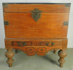 Indian Dutch chest IN87. Cochin area, Kerala, southern India.