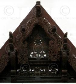 Indian gable C3-00 Rosewood. 19th century. Kerala, India