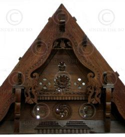 Indian gable H25-00 Jackwood. 19th century. Kerala, India