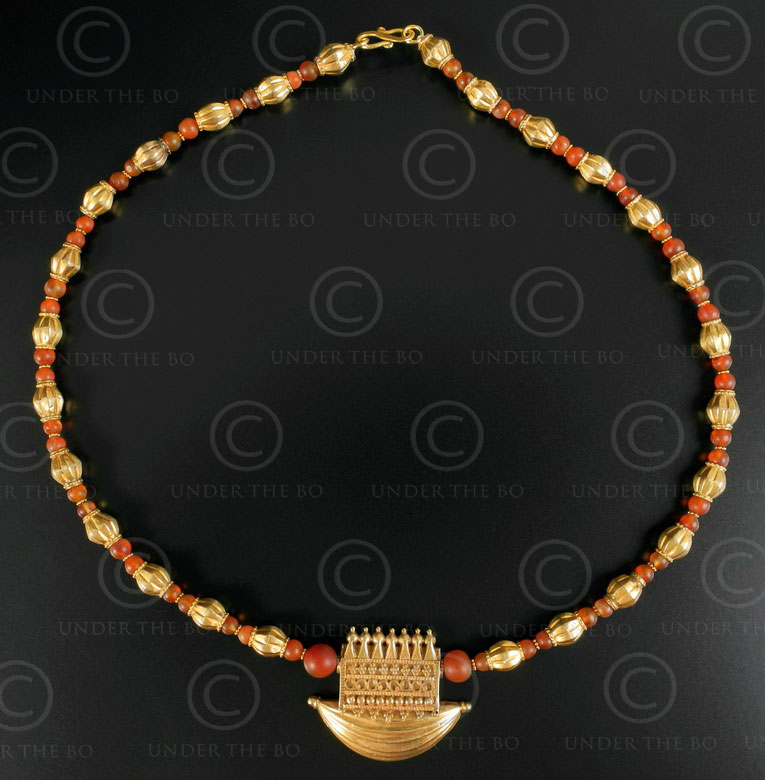 Indian gold and cornelian necklace 625. Designed by François Villaret.