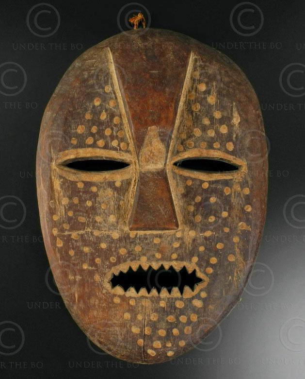 Lega mask N8. Congo (DRC).