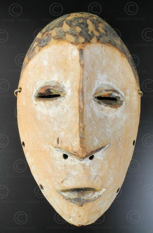 Lega white mask AF192. Lega culture, Congo (DRC), Equatorial Africa.