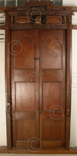 Madras door 08MT7. Teak wood. Madras, Southern India.