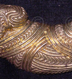 Solid brass belt buckle FB12. In the style of traditional Maori wood carvings.