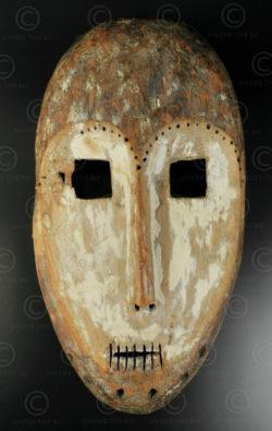 Masque Lega du Congo AF163. Culture Lega, Congo (RDC), Afrique équatoriale.