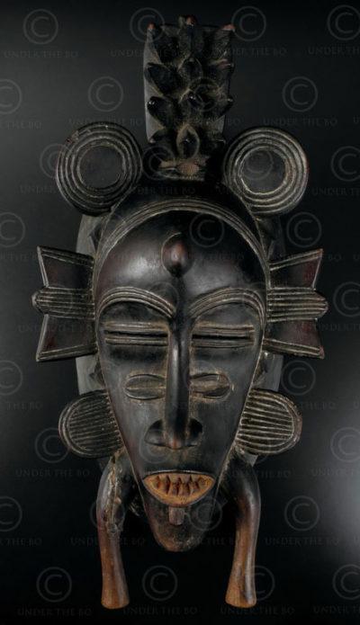 Masque sénoufo bois 12OL06. Culture sénoufo, Côte d'Ivoire, Afrique de l'ouest.